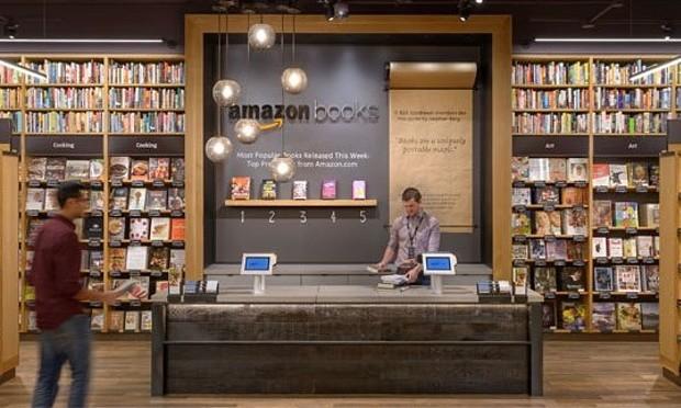 Amazon abre librerías físicas